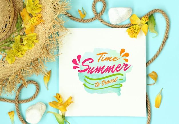 Sommermodellschablone mit strohhut und seil