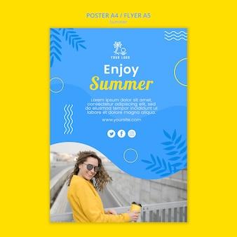 Sommerzeit tageslicht und frau poster vorlage