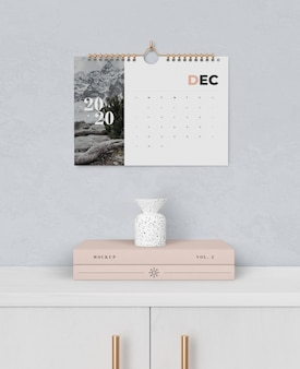 Spiral buch link für kalender an der wand befestigt