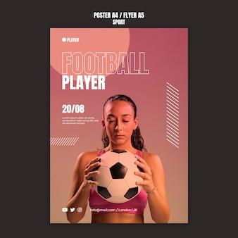 Sportplakatschablone mit foto der frau, die fußball spielt