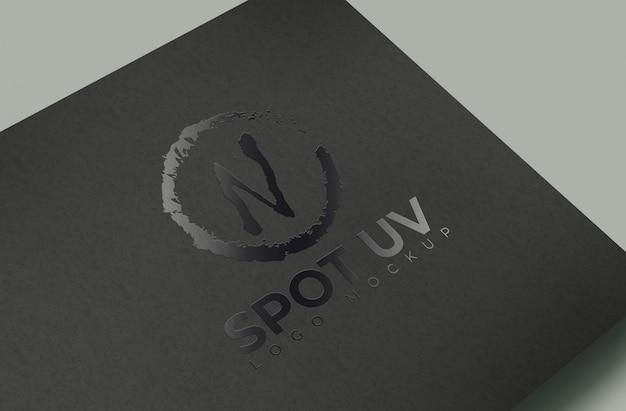 Spot uv logo mockup schwarzes papier