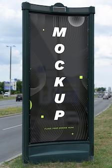 Straßenmarketing-reklametafel-mock-up bei tageslicht