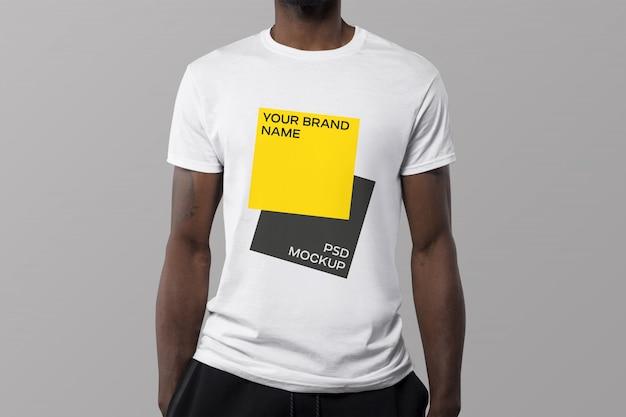 T-shirt-modell