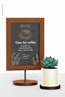 Table board sign mockup, mit pflanze
