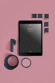 Tablet-modell mit fotokonzept