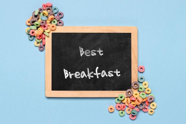 Tafel mit bester frühstücksmitteilung