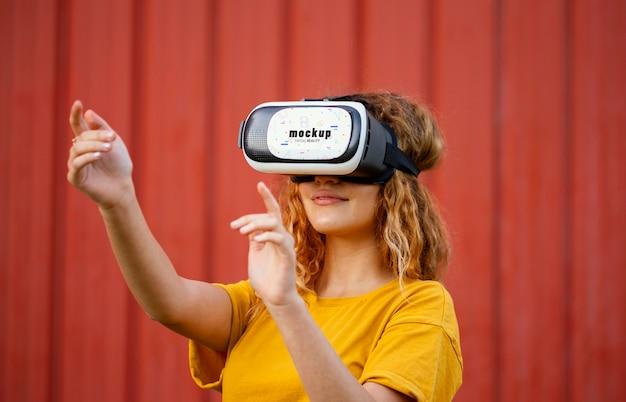 Technologiekonzept mit vr brillenmodell