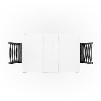 Tisch mit tischdecke und stühlen