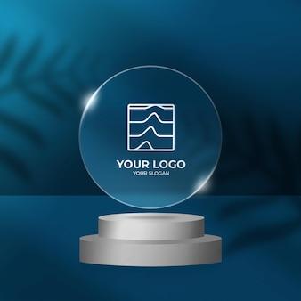 Transparenter effekt des abgerundeten logo-rahmens auf dem podium-modell