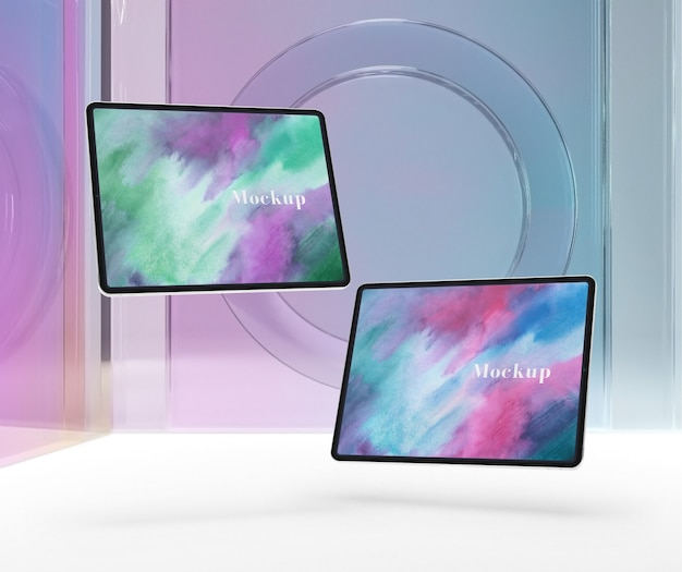 Transparentes glas mit tablet-gerätesammlung