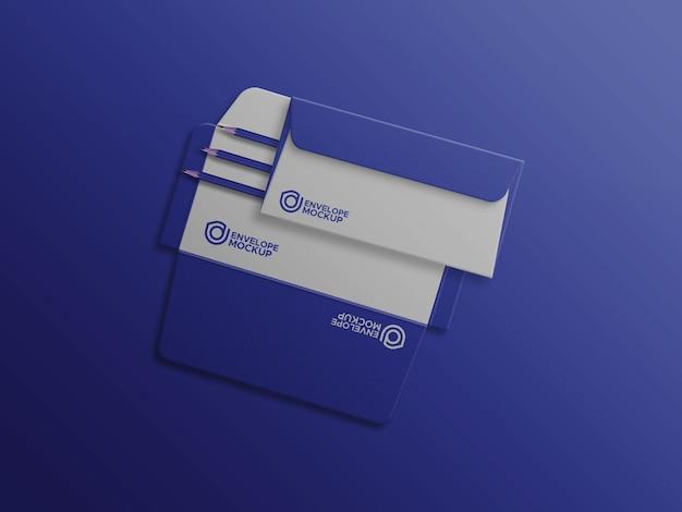 Umschlag auf vollständig geöffnetem umschlagmodell
