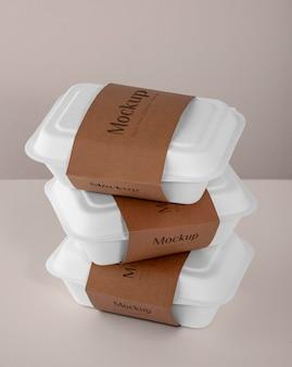 Veganes essen im mock-up-verpackungssortiment