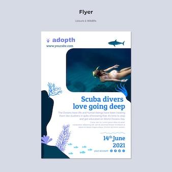 Vertikale flyer-vorlage für das tauchen unter wasser
