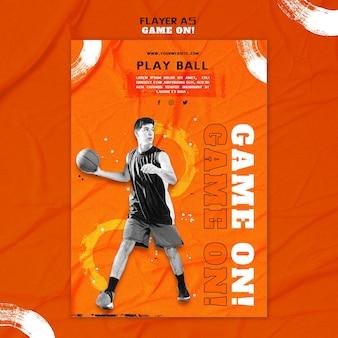 Vertikale flyer-vorlage zum basketballspielen