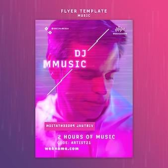 Vertikale neon-flyer-vorlage für musik mit künstler