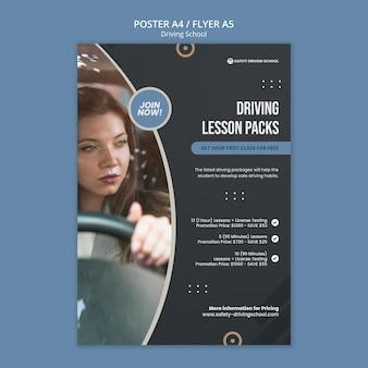 Vertikale plakatvorlage für fahrschule mit fahrerin im auto