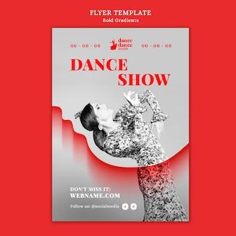 Vertikaler flyer für flamenco-show mit tänzerin