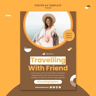 Vertikales plakat für reisen mit frau