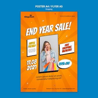 Vertikales plakat zum einkaufen mit frau, die einkaufstaschen hält