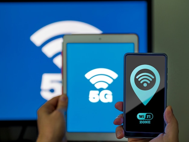 Vielzahl von mobilen geräten mit wi-fi 5g-verbindung