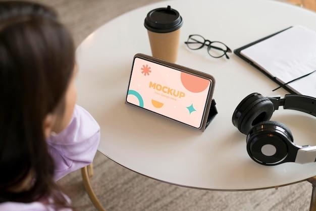 Virtuelle konnektivität mit smartphone