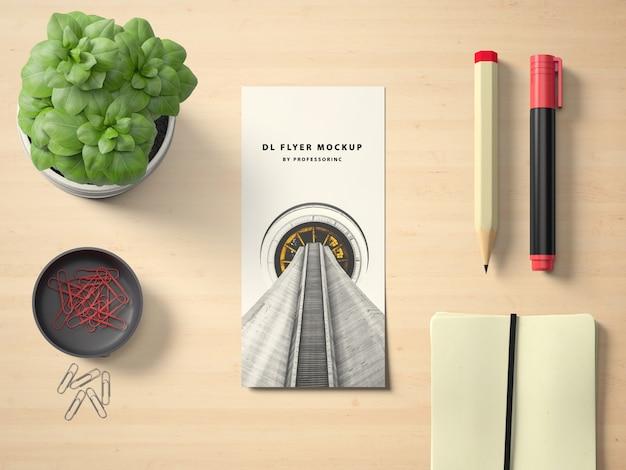 Visitenkarte auf dem desktop mock up