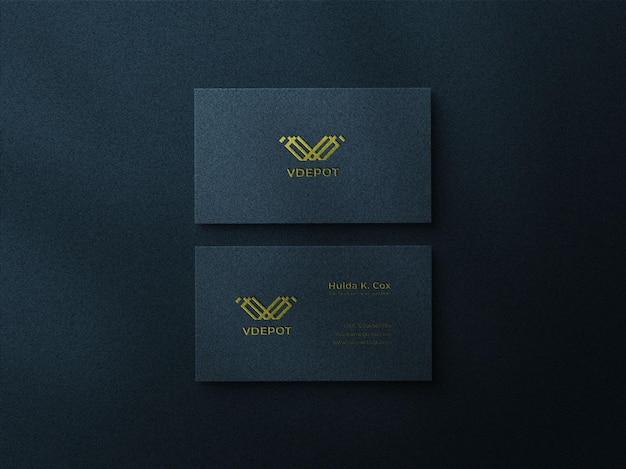 Visitenkarten-mockup-design mit schattenüberlagerung und prägeeffekt