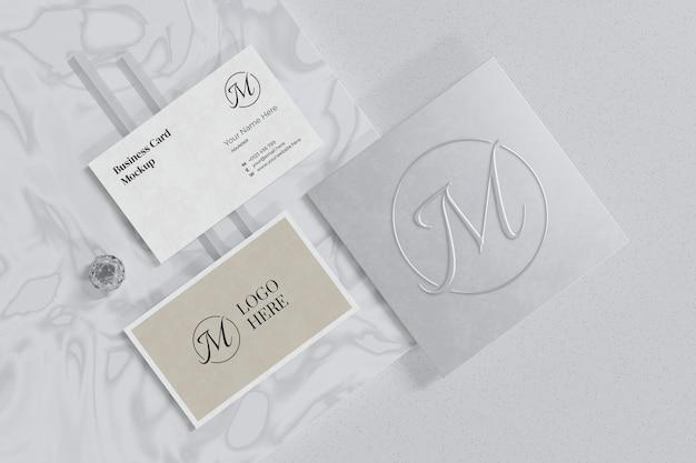 Visitenkartenmodell mit logo-branding-schaufenster im 3d-rendering
