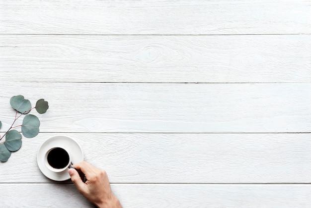 Vogelperspektive des heißen kaffees mit designplatz