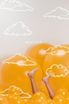 Vorbildliche beine auf gelben wolken