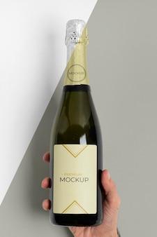 Vorderansicht des champagnerflaschenmodells