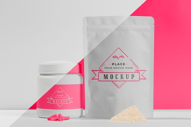 Vorderansicht weiße proteinpillen und pulver