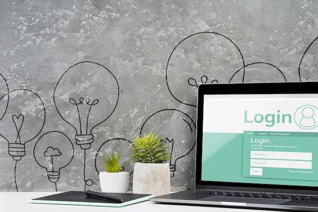 Vorderansichtdesktopkonzept mit laptop