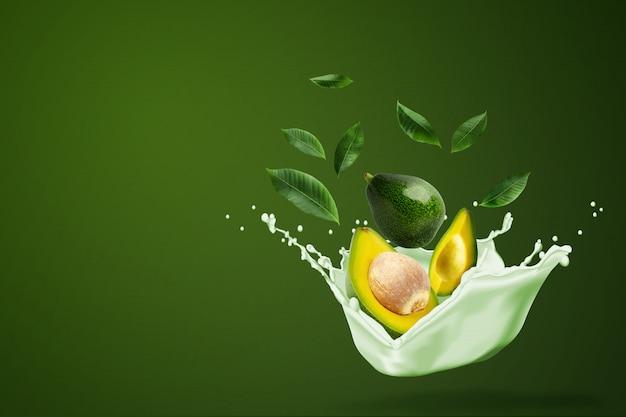 Wasser spritzt auf frisch geschnittene grüne avocado auf grün.