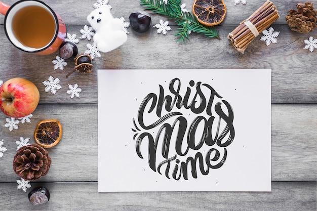 Weihnachtsmodell mit brief oder brief