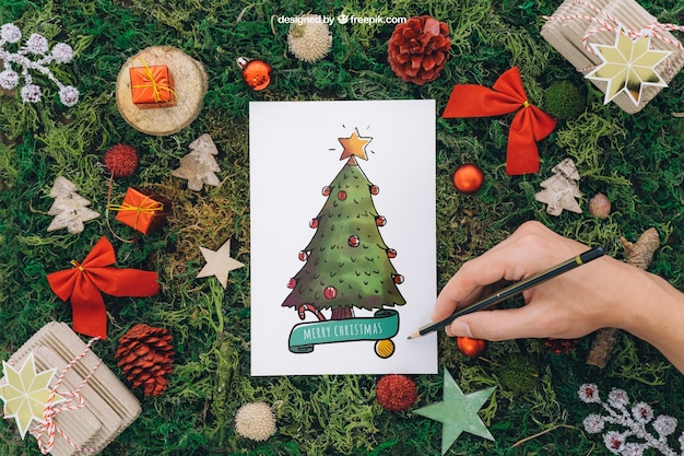 Weihnachtsmodell mit handmalerei