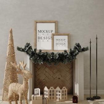 Weihnachtswohnzimmer mit modellplakatrahmen und weihnachtsbaum