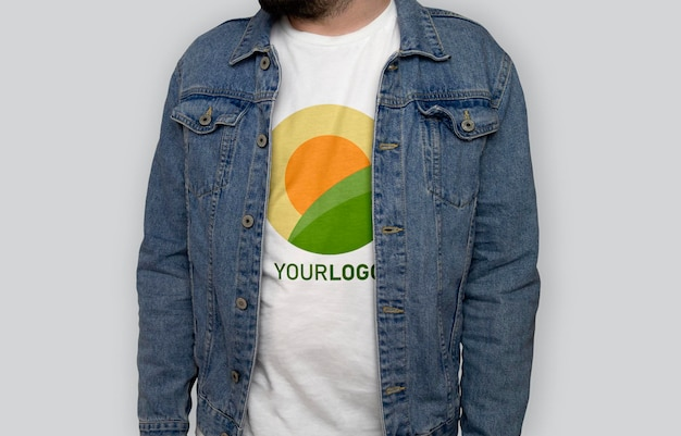 Weißes t-shirt vorderansicht modell