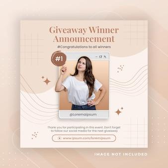 Werbung für geschäftsseiten mit 3d-render-whatsapp für instagram-post-vorlage