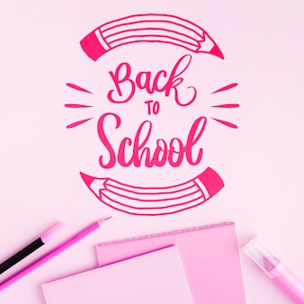 Wohnung lag zurück in die schule mit rosa hintergrund