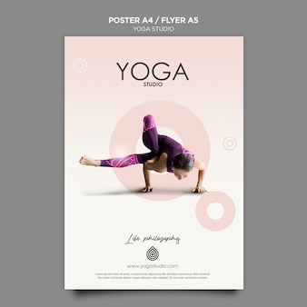 Yoga studio poster vorlage konzept