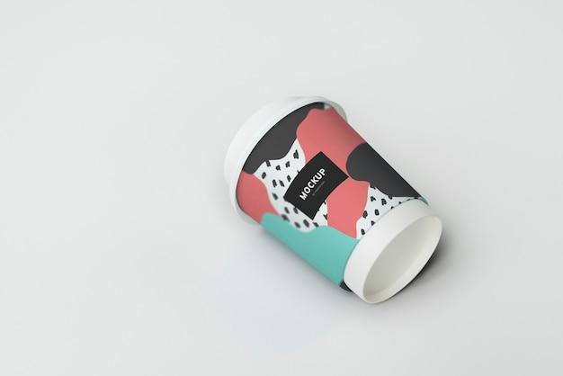 Zum mitnehmen kaffeetassen-modelldesign