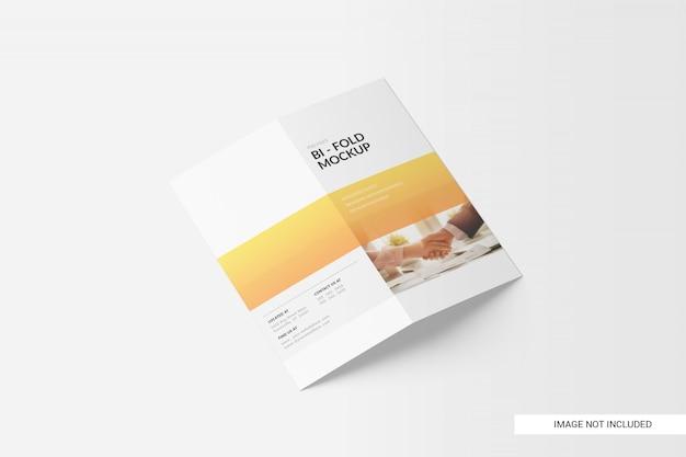 Zweifach gefaltete broschüre