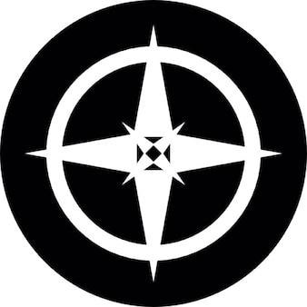 étoile dirigée par quatre sur un bouclier rond