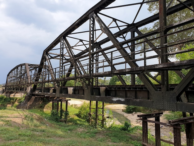 00 ans de khlong chan di steel railway bridge chawang nakhon si thammarat thaïlande