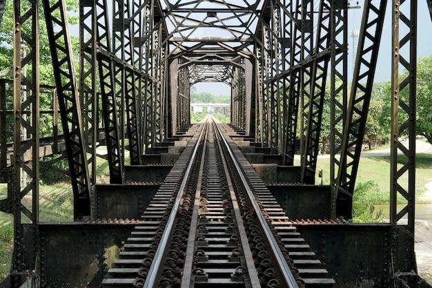 100 ans de khlong chan di steel railway bridge chawang nakhon si thammarat thaïlande