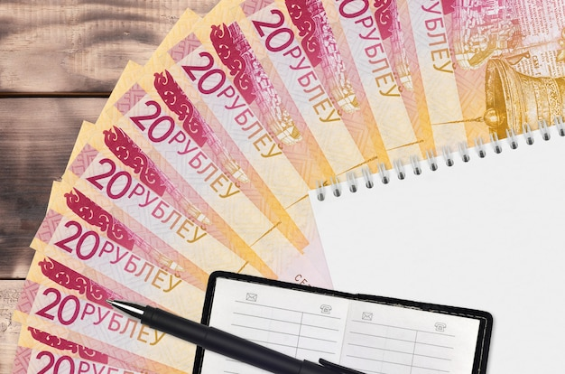 20 roubles biélorusses factures fan et bloc-notes avec carnet de contacts et stylo noir