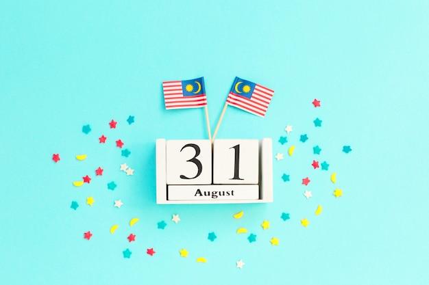 31 août calendrier en bois concept fête de l'indépendance de la malaisie