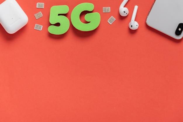 5g texte sur fond uni avec téléphone
