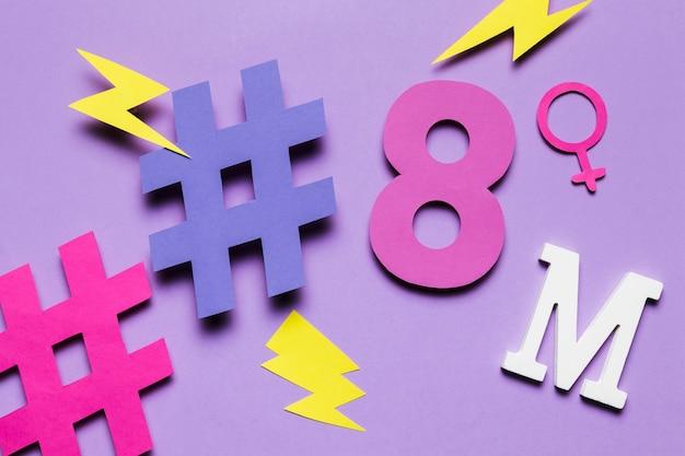 8 mars et hashtags avec tonnerres